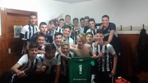 LRF - Inferiores - Sarmiento venció a Boca y se clasificó campeón en la 6ta división.
