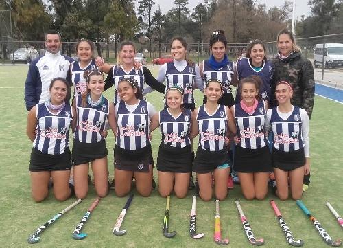 Hockey Femenino - Club Sarmiento y el Cef 83 ganaron y son finalistas en 1ra división.