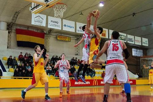 Basquet Bahiense - Con 18 puntos de Esteban Silva, Bahiense del Norte batió a Villa Mitre.