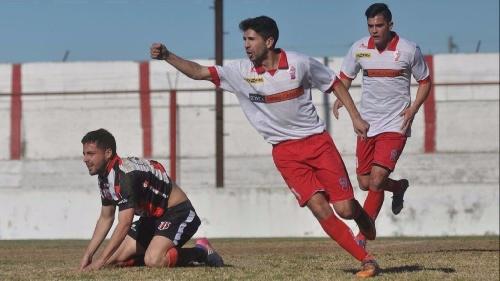 Federal B - Huracán de White venció a Belgrano de Santa Rosa como local y sigue en la punta del grupo.