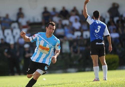 Con un gol de Martín Prost, Juventud Unida derrotó en amistoso a Gimnasia de Concepción