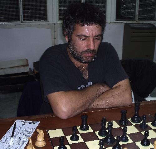 Ajedrez  Pigüé:  Derrota de los punteros en la cuarta fecha del Torneo Oficial