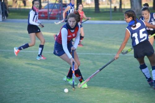Hockey Femenino - Se disputan las semifinales del Apertura de la Federación.