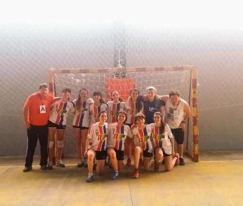 Handball - Nacional de Cadetes B en San Nicolás - Victoria del Cef 83 Femenino en su debut.