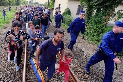 Refugiados ingresan a Europa por la frontera de Noruega con Rusia