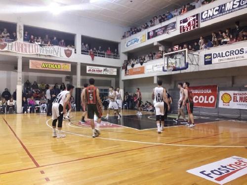 Basquet Tresarroyense - Damian Palma presente en la victoria de Deportivo ante Blanco y Negro.