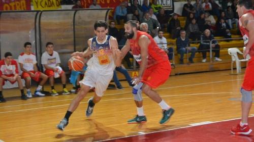 Basquet Federal - Bahiense vuelve a caer en San Nicolas - Quince puntos de Esteban Silva.
