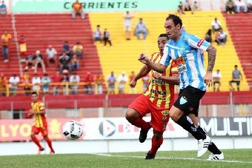 Nacional B - Juventud Unida logró un valioso empate en Corrientes - Martín Prost ingresó en el 2° Tiempo.
