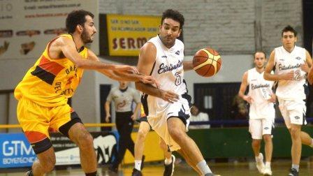 Basquet Bahiense - Silva el máximo goleador de Bahiense ante Estudiantes.