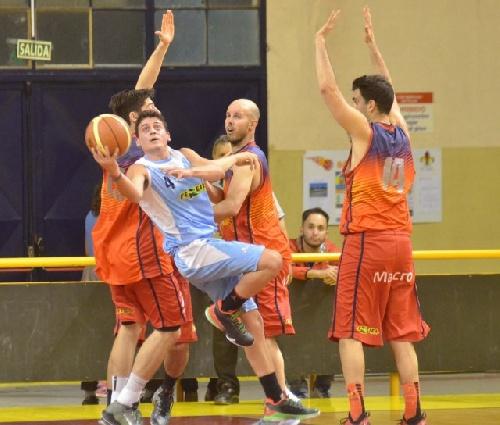 Basquet Bahiense - Bahiense del Norte gana su primer punto de PlayOff - 15 puntos para Silva.