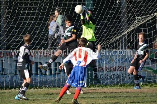Fútbol Infantil - Presentación de Unión Pigüé en el Patoruzito suarense.