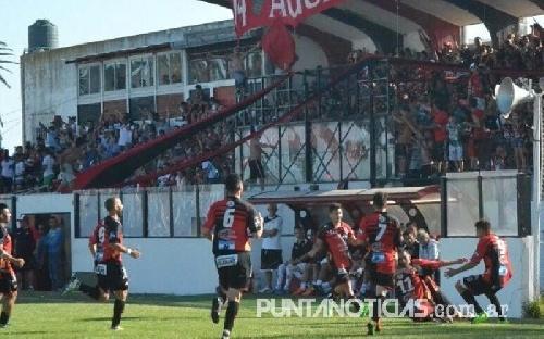 Futbol Liga del Sur  - Sporting empató con Liniers y Villa Mitre derrotó a Huracán. Ambos ganadores son finalistas.