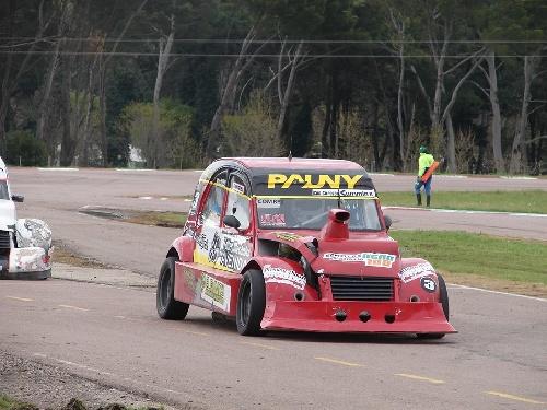 Fórmula 3 CV - Sergio Combes ganador de las dos finales en el Autódromo Ciudad de Pigüé.