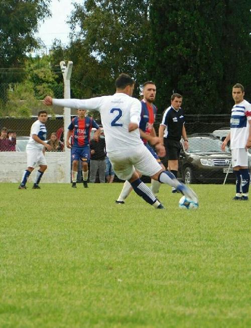 LRF - Promesa de buen fútbol en el Walter Alric y en el Eduardo Gayraud.
