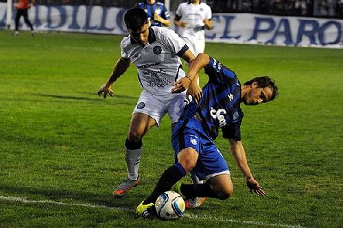 Nacional B - Atlético Tucumán con Leo González ganó en Mendoza.