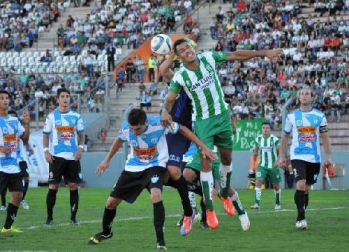 Nacional B - Derrota de Juventud Unida de Gualeguaychú con Martín Prost en su ataque.