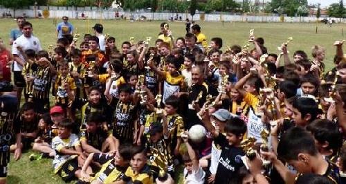 Este sábado los chicos de Olimpo de Bahía Blanca reciben a sus pares de Deportivo Argentino.