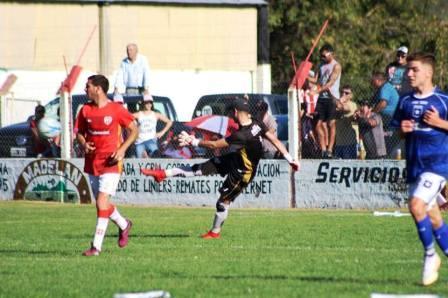 LRF - Con un gol de Nicolás Cabral, San Martín de Carhué empató en el clásico.