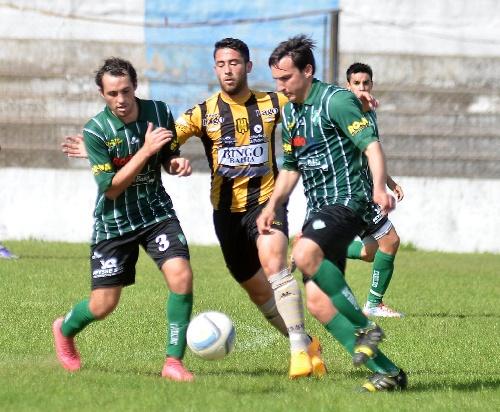 Liga del Sur - Pacífico de Cabildo derrotó a Olimpo. Braian Pazos ingresó en el segundo tiempo para el aurinegro.