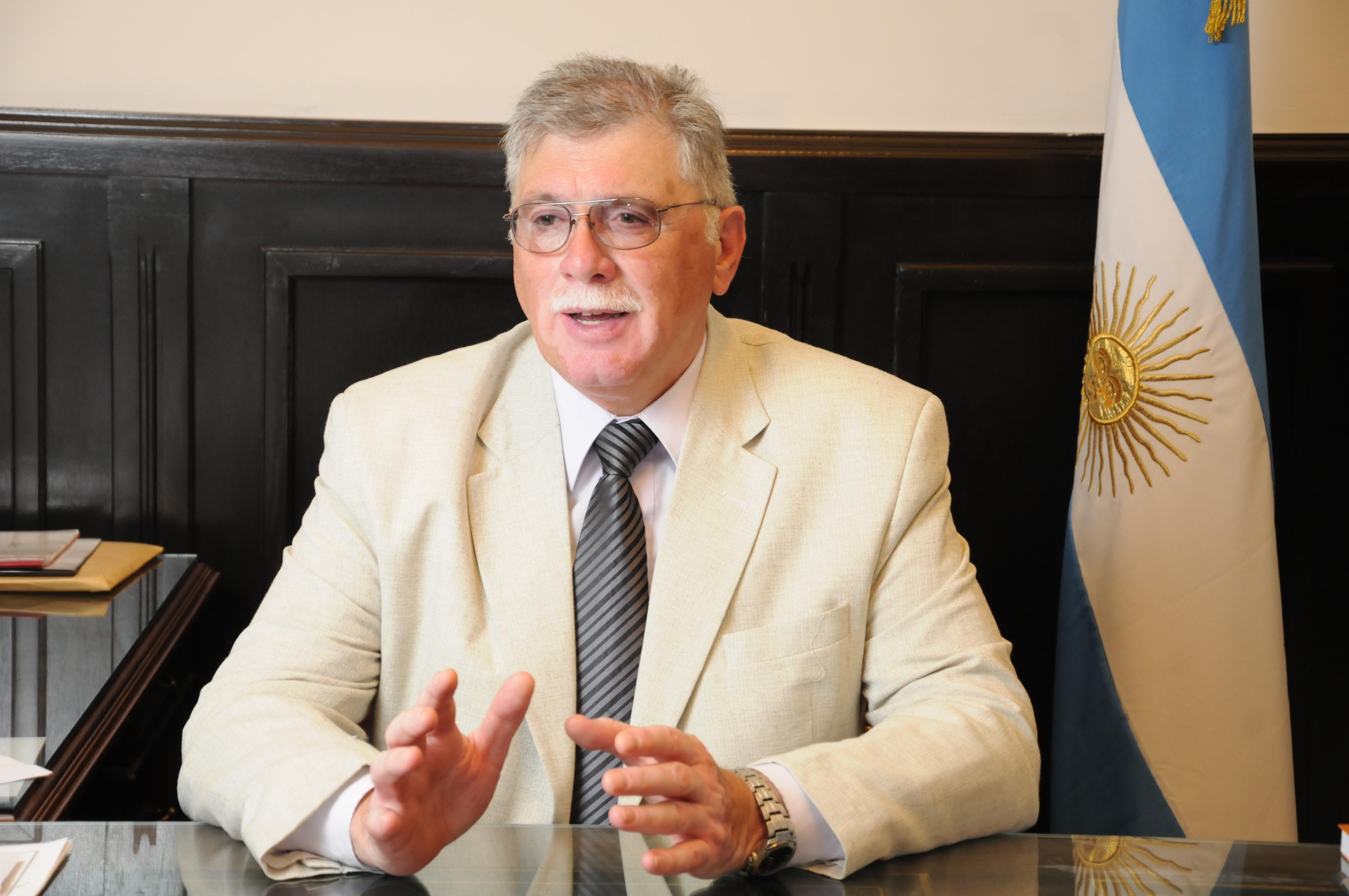 El Senador Horacio López presentó un Proyecto de Ley que beneficia a los hijos estudiantes de los Bomberos Voluntarios