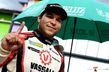 Turismo Carretera - Valentín Aguirre se quedó con el mejor tiempo del viernes. Sergio Alaux clasificó 34°.