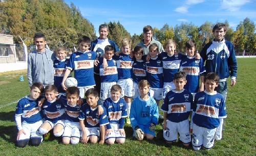 LRF - Argentino ganó en 8va y lidera la Zona B - Peñarol rescató tres triunfos y un empate ante Unión de Tornquist - Sarmiento A goleó en 5ta y 6ta.