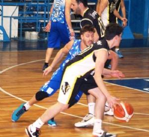 Basquet Chivilcoy - Rácing Club con Erbel Di Pietro entre sus figuras ganó el Torneo Regular Clausura.