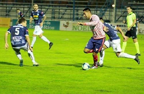 Nacional B - Los Andes derrota a Juventud Unida y lo acerca a zona de descenso - Martín Prost ingresó en el 2° tiempo.