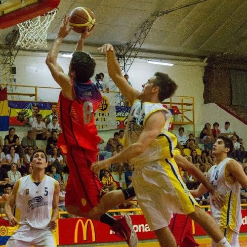 Federal Basquet - Derrota de Bahiense del Norte en Pergamino - 16 puntos de Silva.