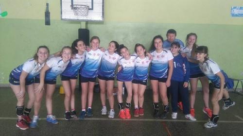 Handball Femenino - La chicas del Cef 83 obtuvieron el Campeonato Provincial de menores.