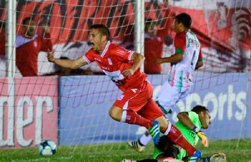 Nacional B - Agropecuario cayó ante Morón y suma una nueva derrota - Martín Prost ingresó en el 2° tiempo.