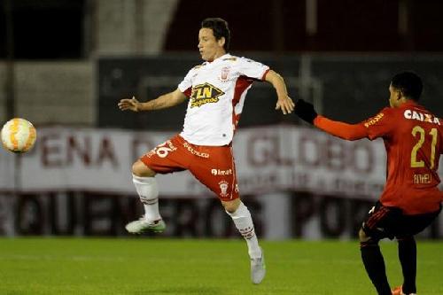 Copa Sudamericana - Huracán derrota a Sport Recife y se mete en cuartos.