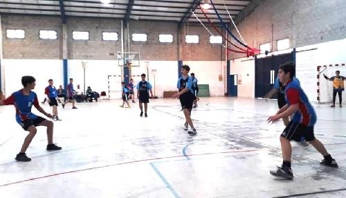 Handball - Cef 83 y Club Sarmiento jugaron en Coronel Suárez.