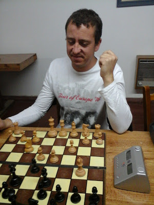 Ajedrez - Marcelo Bernardini encabeza el torneo oficial con 4 jugados y 4 ganados.