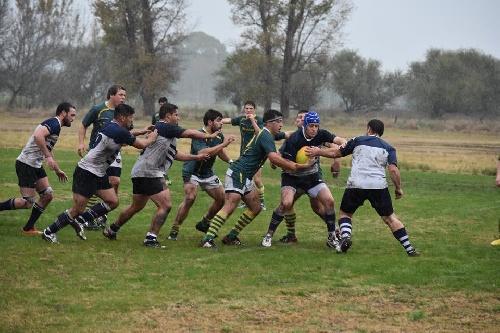 Rugby - Club Sarmiento cayó estrepitosamente en La Carrindanga.