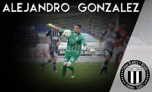 LRF - El golero Alejandro González atajó en Blanco y Negro en la derrota ante Deportivo Sarmiento en cotejo amistoso.