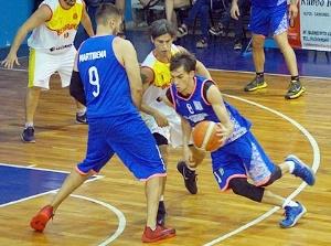 Basquet Federal - Racing de Chivilcoy cayó ante Belgrano de San Nicolás - 16 puntos para Di Pietro.