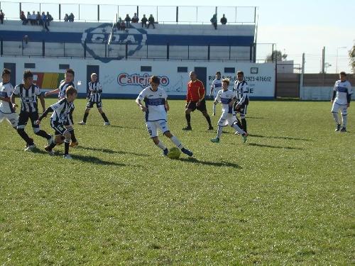 LRF - Inferiores - Sarmiento y Deportivo Argentino.Dos triunfos para el local, un empate y un triunfo para el visitante.