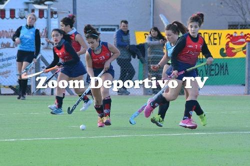 Hockey Femenino - U 16 -San Martín de Saavedra superó a Peñarol dos a cero.