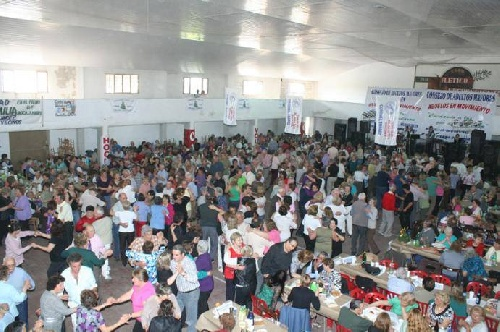 Fiesta de los mil abuelos en Coronel Suarez