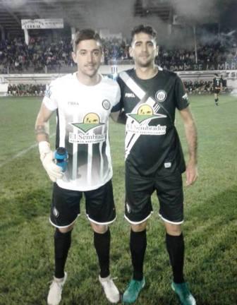 Fútbol de Verano - Ale González y Luli Acosta festejaron con Blanco y Negro.
