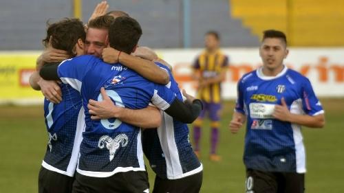 Liga del Sur - Con la capitanía de Facundo Lagrimal, Liniers venció a Tiro Federal.