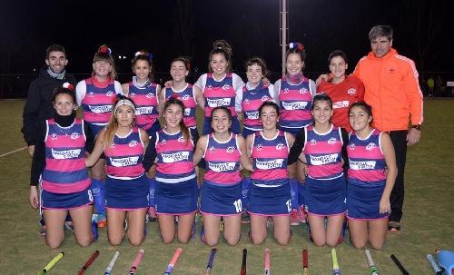 Hockey Femenino - CEF 83 goleó a Peñarol en un adelanto del Clausura en 1ra División.