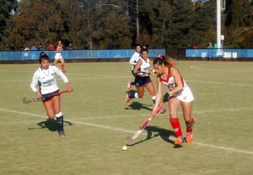 Hockey Bahiense Femenino - Con un gol de Ivana Masars, Atlético Monte Hermoso derroto 3 a 0 a Sportiva.