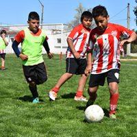 Fútbol Infantil - Participación de Unión Pigüé en torneo carhuense.