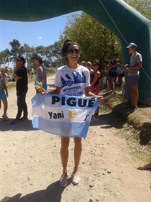 Atletismo - Yanina Clair ganadora en  Pillahuincó - Coronel Pringles.