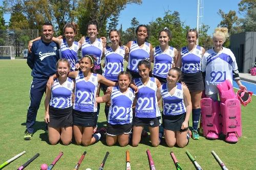 Hockey Femenino - Cef 83 y Sarmiento serán finalistas en 7ma división.
