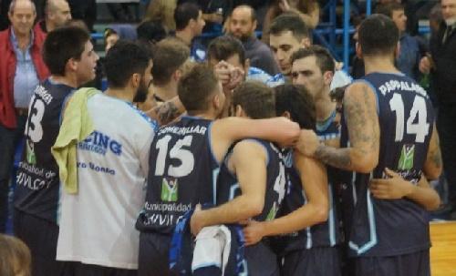 Basquet Federal - Racing de Chivilcoy con 22 puntos de De Pietro batió a Sportivo Las Parejas en el 1° juego de Play Off.