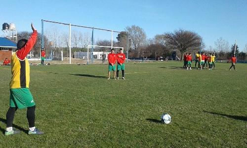 Nacional B - Agropecuario de Carlos Casares disputó un amistoso ante Ferro de General Pico - Se sorteó el fixture.