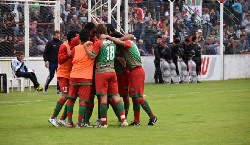 Nacional B - Agropecuario venció a Juventud Unida y clasificó para el reducido por un ascenso a la Superliga - Su rival descendió.